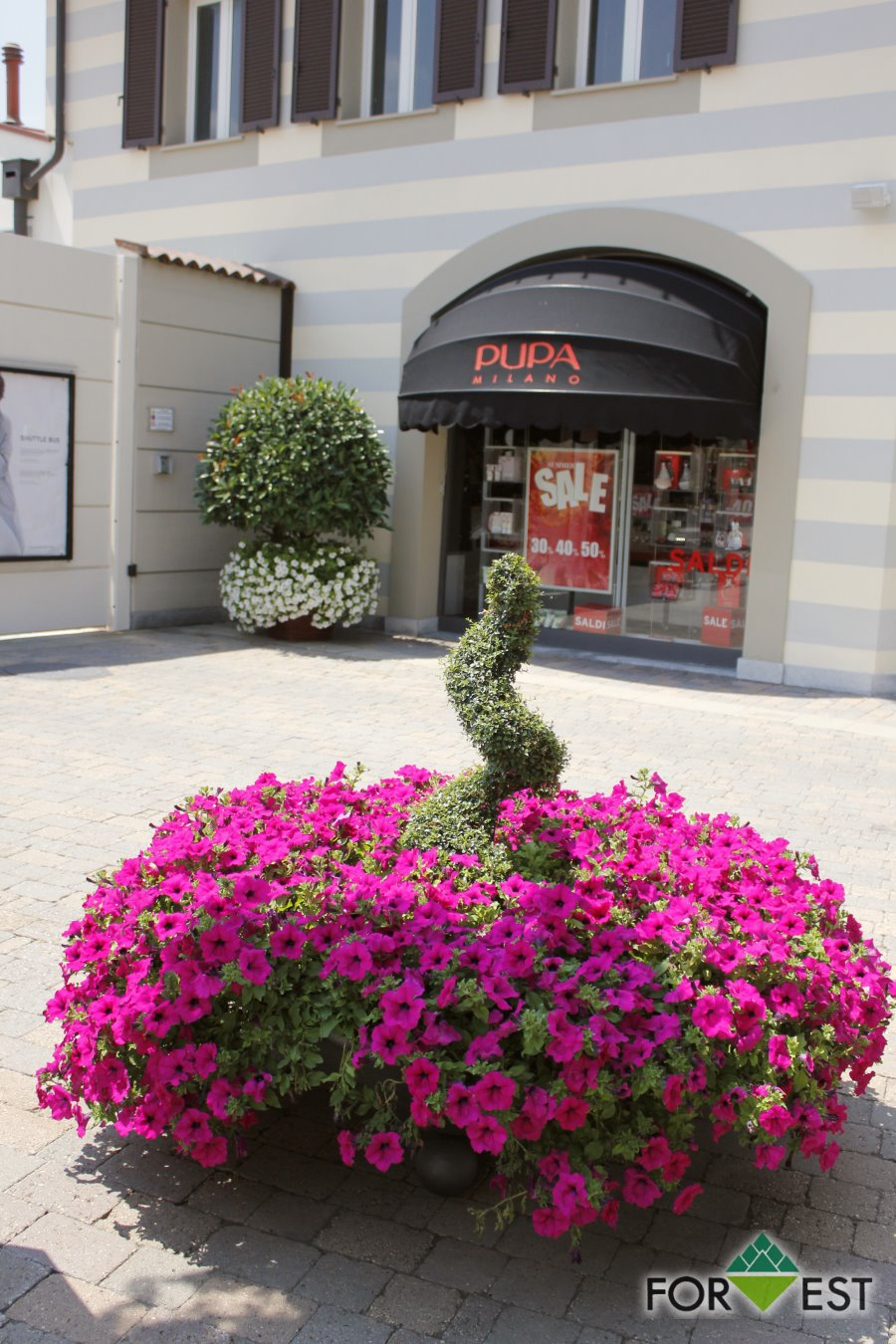 Fioriture estive 2014<br> Serravalle Designer Outlet
